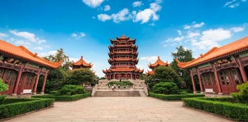 https://www.vikingrivercruises.com/images/CC_Shanghai_Old_Rooftops_Horiz_500x250_tcm21-105537.jpg